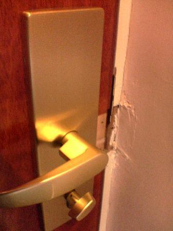 The Bonnington Dublin: door lock