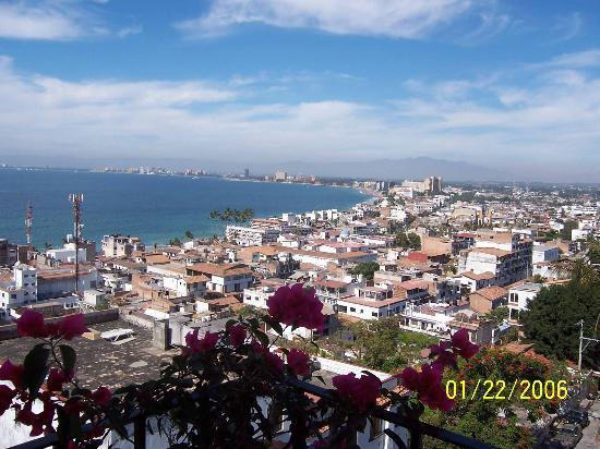 Hotel Suites la Siesta: North city view of Puerto VAllarta