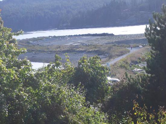 Sooke Harbour House Resort Hotel: View of the Whiffen Spit from either the balcony or room window
