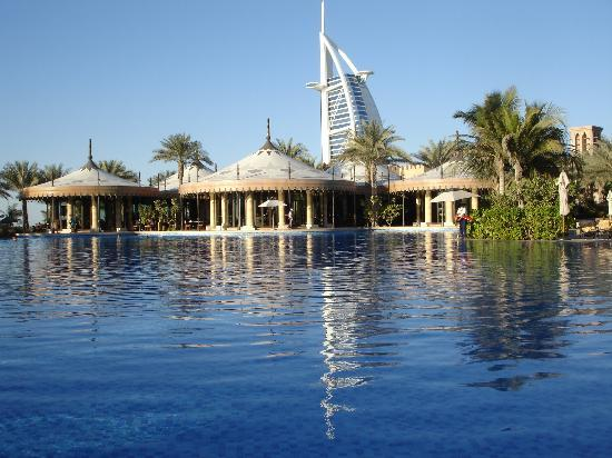 Jumeirah Dar Al Masyaf at Madinat Jumeirah : The massive Al Qasr Pool