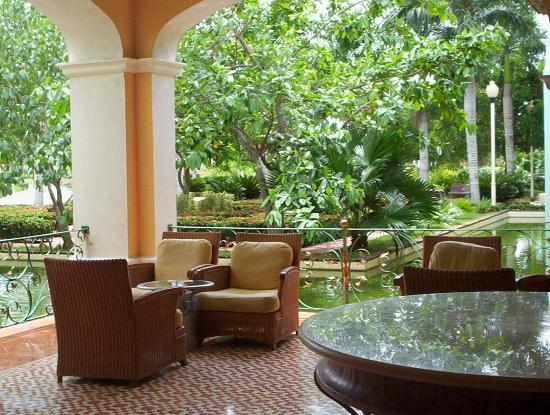 Iberostar Hacienda Dominicus : seating area