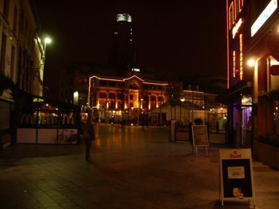 Hotel at night - view from Handschoenmarkt