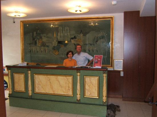 Hotel de l'Europe : the owners behind the desk