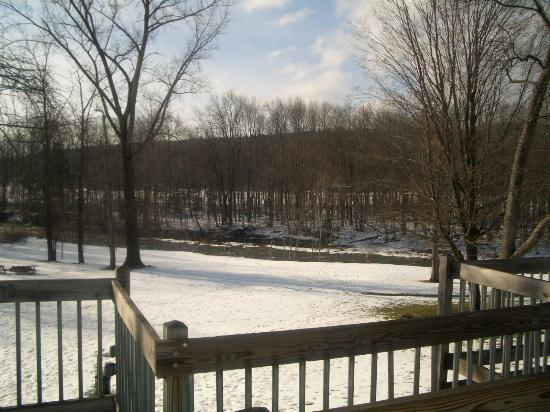 The Mountaineer Inn at Stowe: Off the back deck