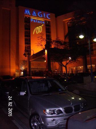 U Magic Palace: Magic Palace entrance in the night