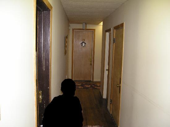 Escanaba, MI: 3rd fl hallway. note smoke dector/drop ceiling
