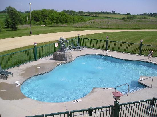 The House on the Rock Inn: Outdoor pool