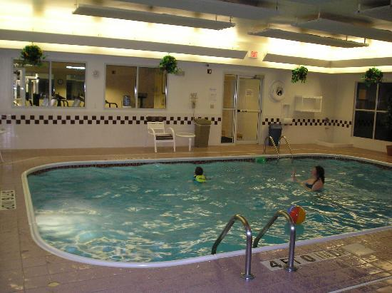 Residence Inn Lansing West: Pool exercise area