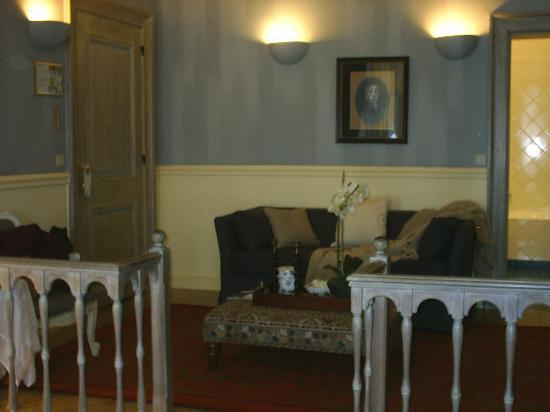 Hotel De Tuilerieen: The sitting-area in our bedroom