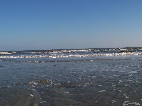 Waterside by Spinnaker Resorts: HHI Beach one of many