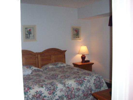 Waterside by Spinnaker Resorts: 2nd bedroom