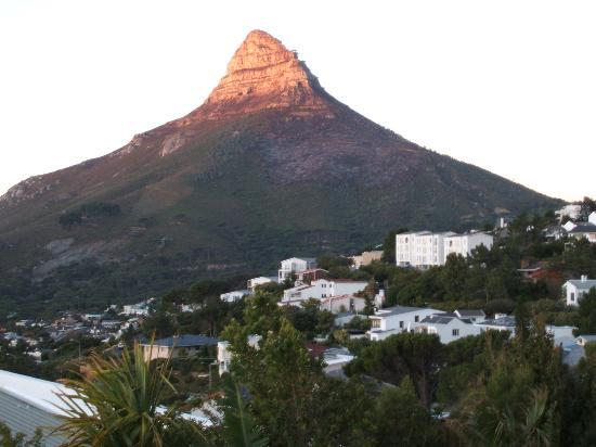 Atlanticview Cape Town Boutique Hotel: Sunset on Lions Head