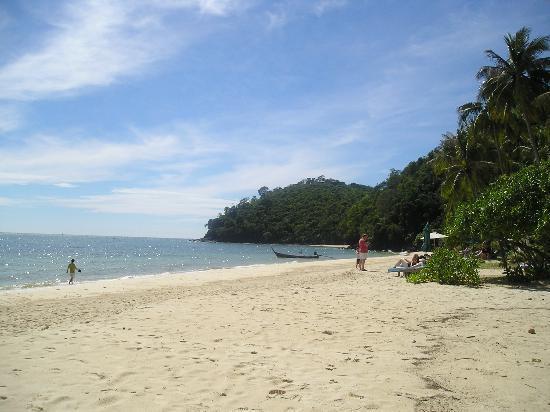 โรงแรมเคปพันวา: the private beach is beautiful