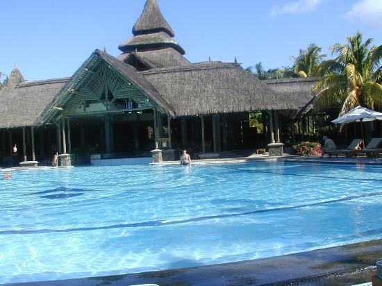 Shandrani Beachcomber Resort & Spa All Inclusive: Pool by Reception