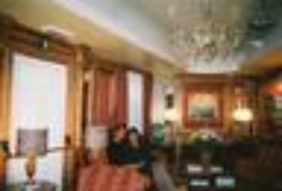 Santa Marina Hotel: Beautiful Sitting Room