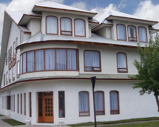 Charles Darwin Hotel: of side