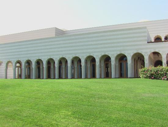 The Oberoi Sahl Hasheesh: Main restaraunt exterior.