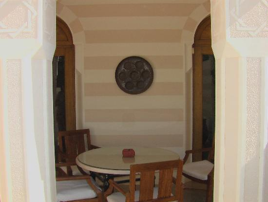 The Oberoi Sahl Hasheesh: Suite dining area.