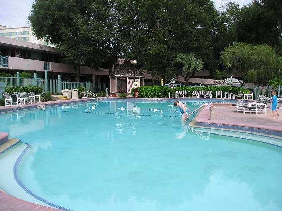 Red Lion Hotel Orlando - Kissimmee Maingate : Pool # 3 All these pools over a few days. Check out the crowds
