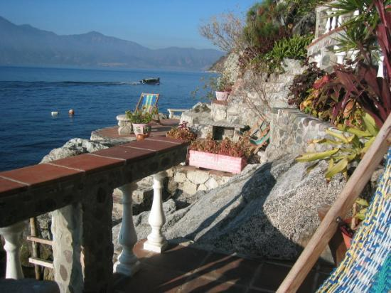 La Casa del Mundo Hotel: One of the many terraces around the place