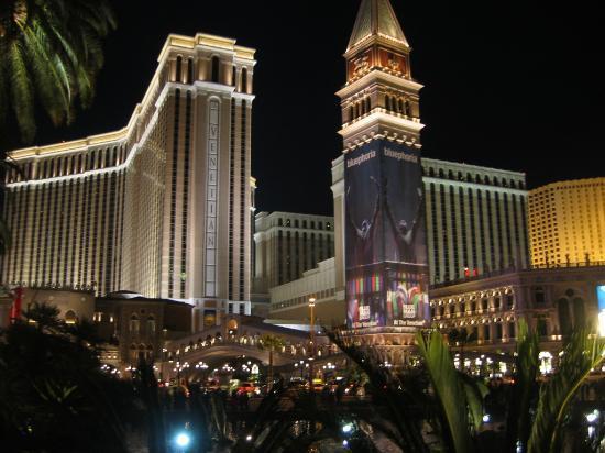 Night View Of Venetian Picture Of The Venetian Resort Las Vegas