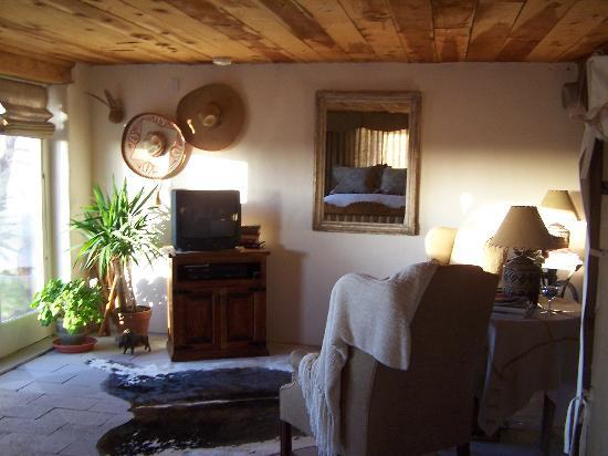Buffalo Gal Bunkhouse: Sitting room