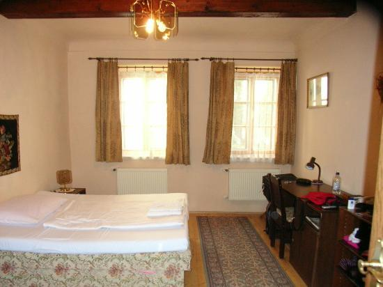 Pension Dientzenhofer: Main Bedroom