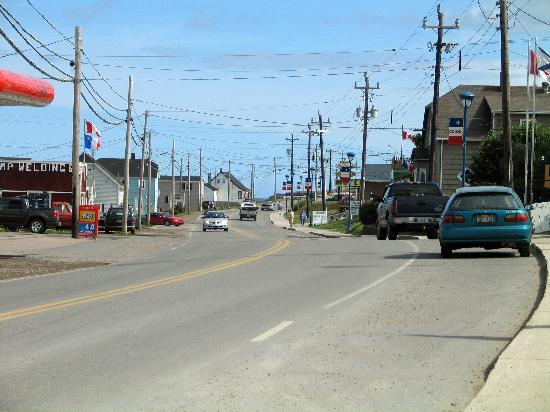 Acadian Motel: Looking towards the action in Cheticamp