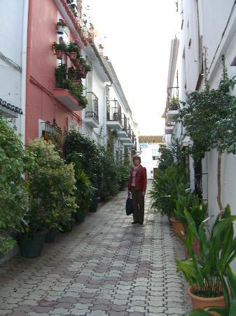 La Villa Marbella: Villa Marbella street
