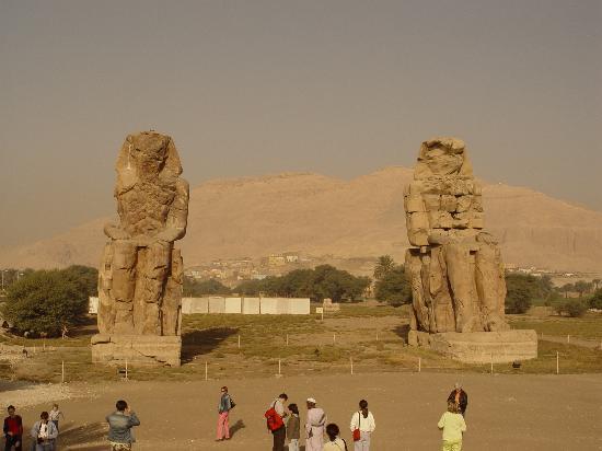 Luxor, Egypt: Memnon statues