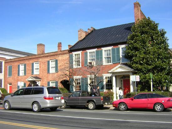 The Dinsmore House Bed & Breakfast: The Dinsmore House