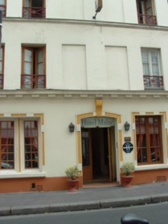 Hôtel Malar: Street scene