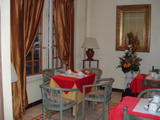 Hôtel Malar : breakfast room