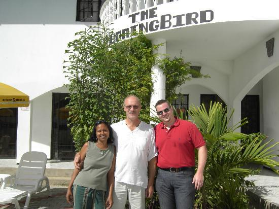 Hummingbird Hotel: Paul n Linda