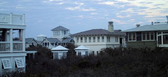 Inn By The Sea : seaside from the beach pavillion