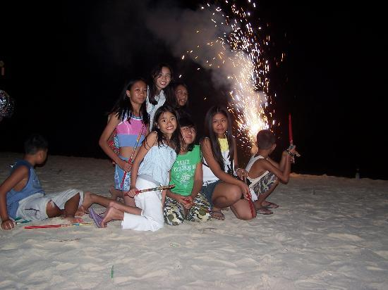 Bura-akay Nature Resort: New Year Celebration in Diniwid Beach