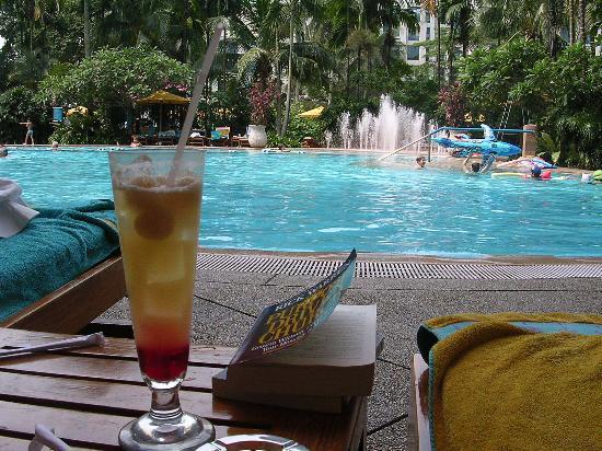 Pool Drink Book Picture Of Shangri La Hotel Singapore Singapore Tripadvisor
