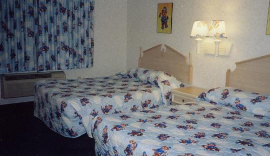 Travelodge Santa Clarita/Valencia: The Bear room.