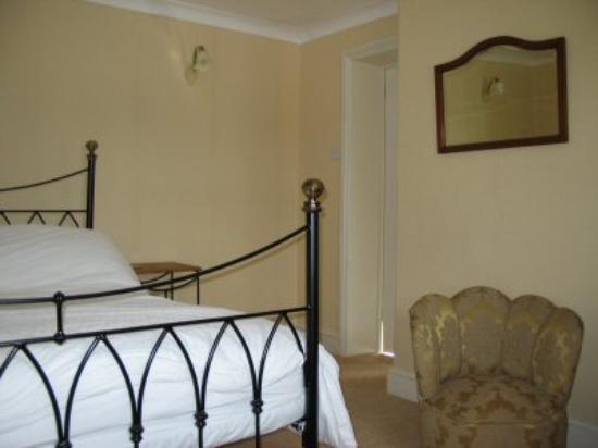 Holmebridge House: Master Bedroom