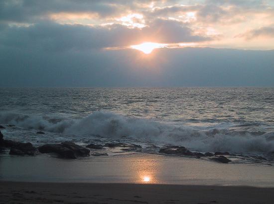 Hotel Rio Malecon Puerto Vallarta: Sunset in February on the beach