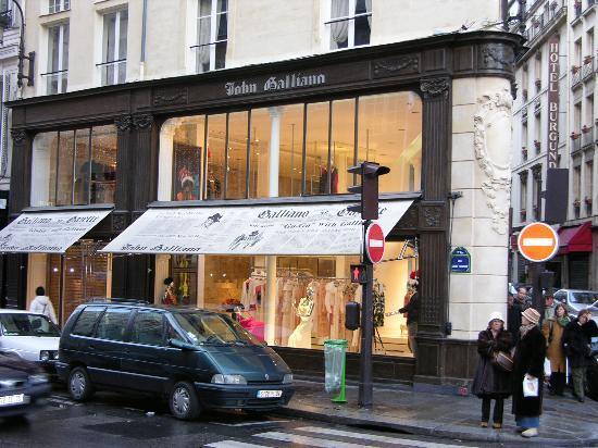 shop of john galliano in rue saint honor picture of rue du faubourg saint honore paris. Black Bedroom Furniture Sets. Home Design Ideas