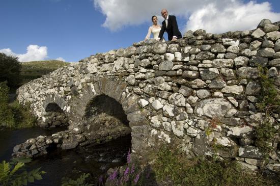 Ashling & Richard athe the Quiet Man Bridge