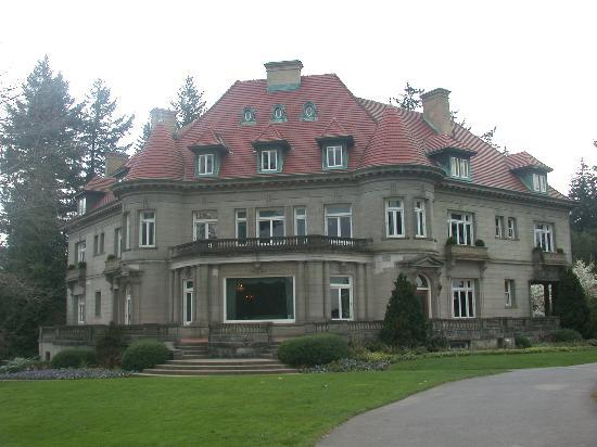 Pittock Mansion: Front View of the Mansion