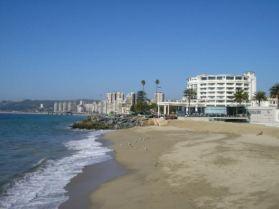 Santiago, Şili: view from the restaurant on the beach at Viña