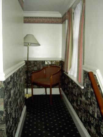 The Montague on The Gardens: A sitting room off the main bedroom