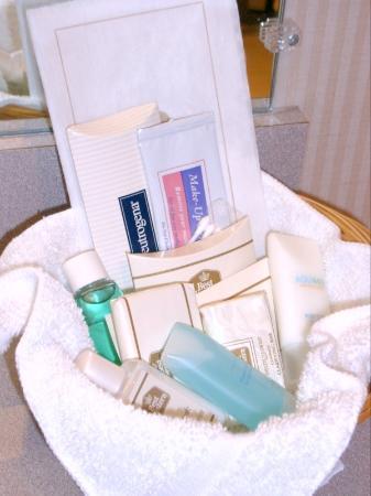 Best Western Plus Kennewick Inn: Bathroom Amenity Kit (Nice!)