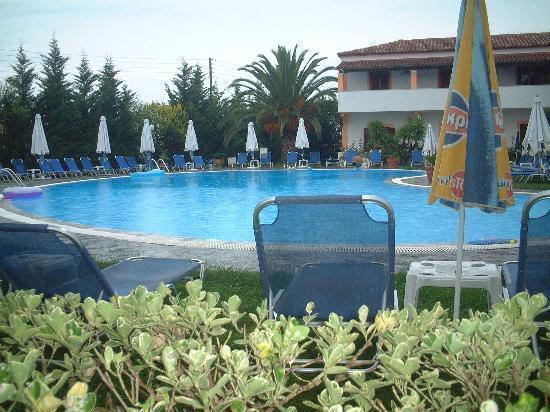 Eleni Family Apartments Photo