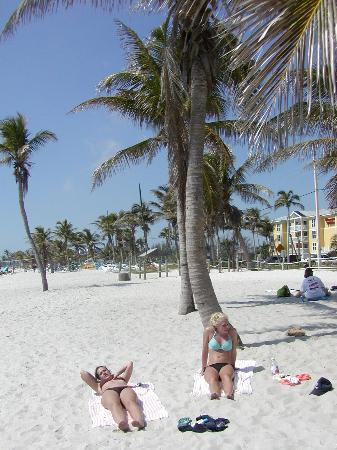 Hotels Near Smathers Beach Key West