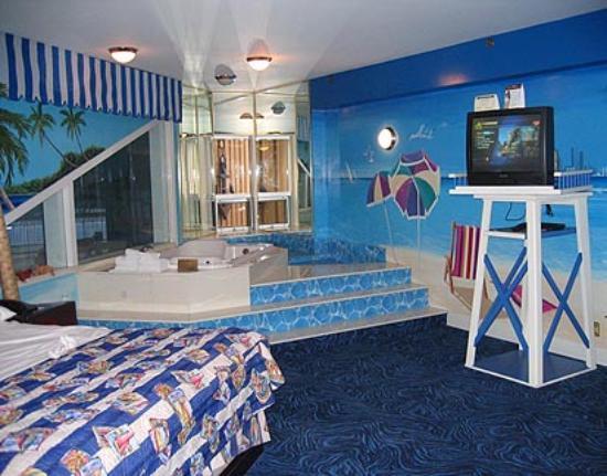 4 Fun Nights At In The Waterpark Theme Room Photos De Fantasyland Hotel Amp Resort Tripadvisor