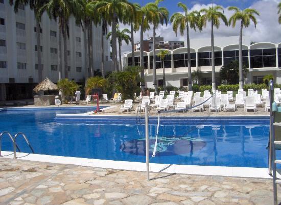 Bella Vista Hotel: pool view